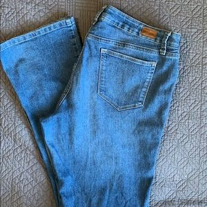 STYLE & CO modern boot cut jeans
